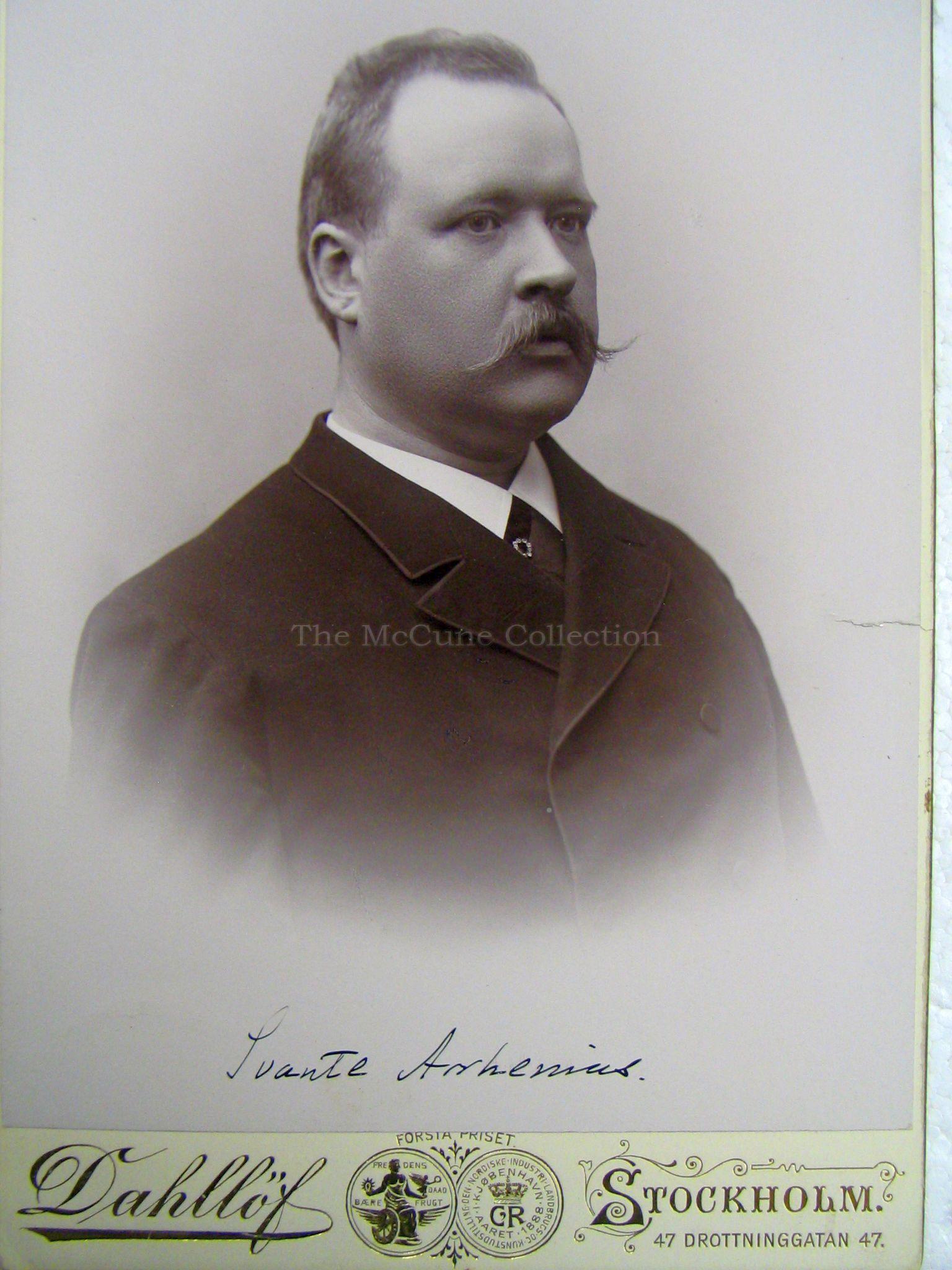 svante arrhenius Biografía svante august arrhenius nació el 19 de febrero de 1859 en la ciudad de vik, en sueciasus padres fueron svante gustav y carlonia thunberg arrhenius.